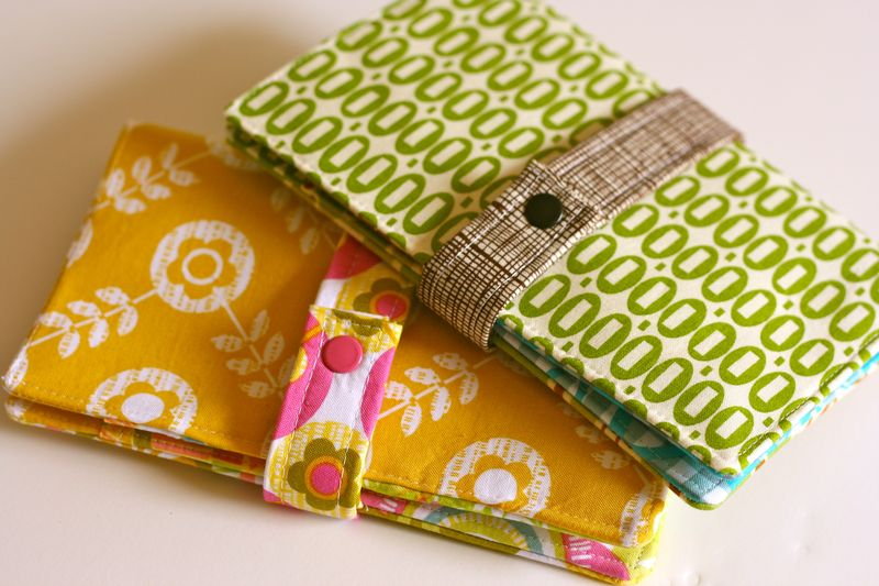 Lily\'s Quilts: Family Passport Wallet Pattern Giveaway